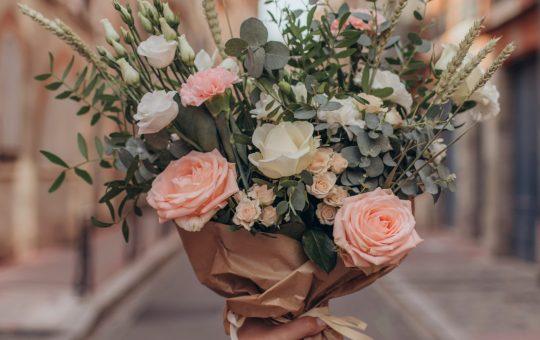 Les avantages de l'envoi de fleurs via une boutique en ligne